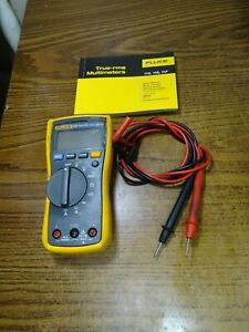 Fluke 115 True Rms Multimeter Very Good Condition W Manual