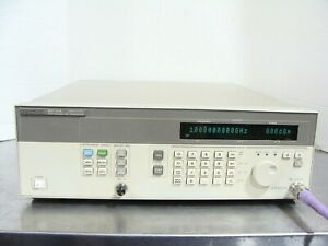 Hp Agilent 83712a Synthesized Cw Signal Generator 10mhz 20ghz W Opt 1e5 1e8