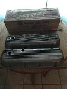 Vintage Clean Cal Custom Aluminum Finned Valve Covers Bbc