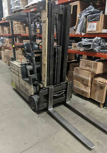 Crown 35sctt s Electric Forklift 190 Lift 36v Includes Battery Needs Work
