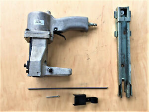 bostitch D16 2ad Pneumatic Air Powered Box Closer Stapler Used