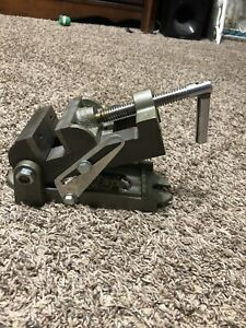 Nos Unbranded 3 1 2 Angle Machinist Grinding Vise With 3 1 8 Opening