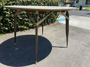 Mid Century Modern Dining Table 42in Round Oval