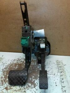 Brake And Gas Pedal Assembly For A 2005 Volkswagen Beetle