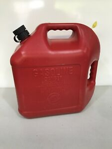 Vintage Blitz 5 Gal Gas Can Vented With Flexible Spout Model 11833