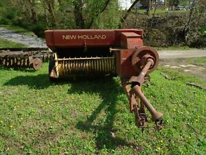 New Holland Square Hay Bailer