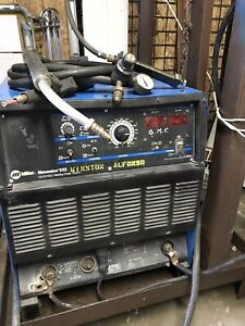 Miller Dimension 652 Dc Welding Power Source With Wire Feeder And 12ft Swingarc
