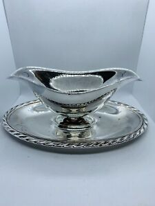 Wm Rogers Vintage Silver Plate Gravy Boat With Attached Plate Home Decor