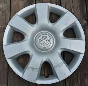 Toyota Camry Hubcap 2002 2004 Fits 15 Inch Wheels 61115 010