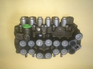 Kubota Control Valve 7k527 62900 For Bt1000b Or Bt1400 Backhoe