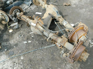 2002 2004 Ford F250sd F350sd Pickup Rear Axle Assembly 3 73 Ratio 122k Miles Oem