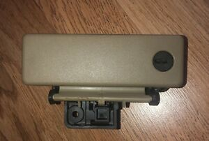 03 06 Ford Expedition Beige Tan Glove Box Latch Lock Handle