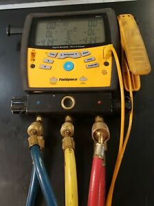 Fieldpiece Manifold With Micron Gauge