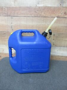 Blitz 5 Gal Plastic Kerosene Fuel Can With Old Style Pull Out Spout Cap