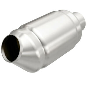 Magnaflow Universal High flow Catalytic Converter Round Spun 2 5 In out 54976