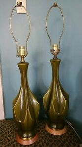 Pair Vtg Mid Century Modern Green Ceramic Glaze Table Lamps Art Deco Sculptural