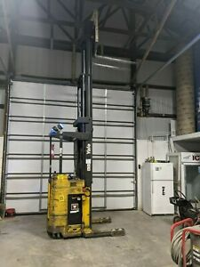 Yale Nr035acns24te110 3 500lbs Electric Warehouse Forklift Reach Truck