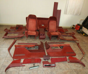 1992 Chevy C2500 Crew Cab Nearly Complete Interior Red Cloth Bench Captain Seats