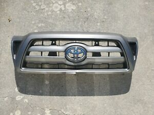 2005 2010 Toyota Tacoma Front Grill Assembly oem
