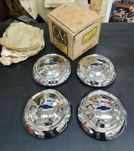 Nos Gm 1951 53 Chevy Passenger Car Center Hub Cap Wheel Covers Set Of 4 3696493
