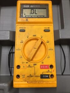 Fluke 25 Multimeter With C100 Hard Plastic Carry Case A Must Have Addition