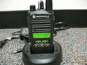 Motorola Cp185 Two Way Radio Uhf 435 480mhz With Charger