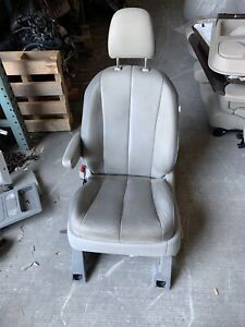 2013 2014 Toyota Sienna 3 5l Front Driver Left Seat Gray Leather Oem Headrest