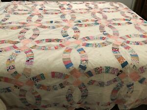 Beautiful Vintage Antique Handmade Wedding Ring Quilt 80 X 94