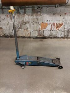 Walker 4 Ton Floor Jack