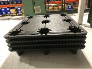 Uline 1304 Heavy Duty Plastic Pallets Lot Of 4 48 X 42