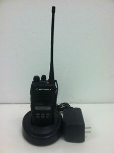 Motorola Ht1250 Ls Uhf 450 512mhz W charger battery power Adapter working
