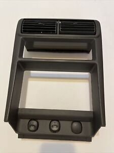 Ford Mustang Center Dash Radio Climate Bezel Vent Trim Surround Cover 99 04