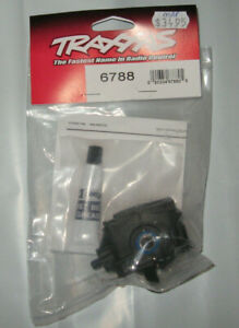 Traxxas 6788 Differential Front Complete With Pinion Rear New Nip