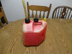 Blitz Plastic Vented Gas Can 2 Gal Gallon 8 Oz Ounce Fuel Jug Two Handle