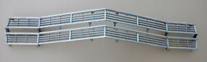 1967 Ford Ltd Xl Country Squire Front Grille