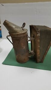 Vintage Bee Hive Smoker Wood Leather Bellows Beekeeping Antique Primitive T2