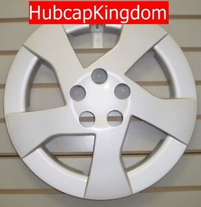 New 2010 2011 Toyota Prius 15 5 Spoke Silver Hubcap Wheelcover