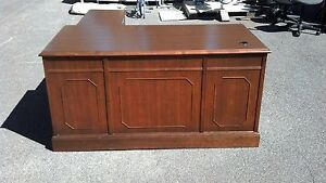 Vintage L Shaped Desk Walnut Right Return Lots Of Detail Wedeliverlocallynorca