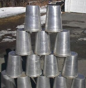 Ready To Use 25 Maple Syrup Sap Buckets Square Lids Covers Taps Spouts Spiles