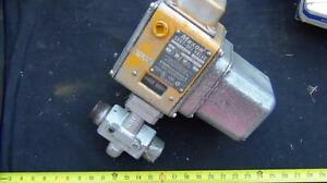 Maxon Shut Off Valve 1 1 2 In 5000 Air Nat Gas Lp Gas Fuel Oil 1