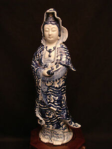 14 1 2 Marked Kutani Japanese Meiji Blue White Kutani Kannon Kwan Yin Status