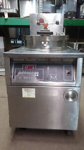 Bk Industries Fkm fc 75 Lbs Electric Pressure Fryer W basket And Filtration