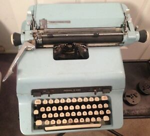 Royal 440 Typewriter Blue