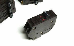 New Wadsworth Circuit Breaker 30 20 Twin 2p Type B metal Tabs Yi 900d