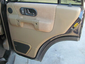 Land Rover Discovery Ii Right Rear Door Panel 1999 2000 2001 2002
