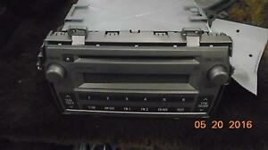 Toyota Matrix A v Equip display And Receiver Id D1818 On Radio Face 16d0406