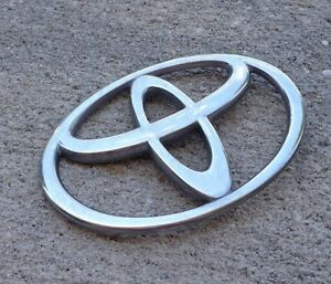 Toyota Camry 3 875 Trunk Emblem Badge Decal Logo Rear Oem Factory Genuine Stock