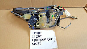 1997 2001 Toyota Camry 4dr Front Passenger Door Lock Latch Assembly Oem D30