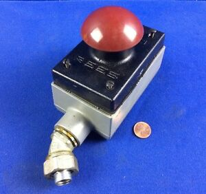 Rees 00662 002 Heavy Duty Momentary Push Button Switch 600vac 250vdc W Box