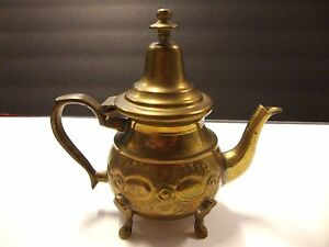 Brass Copper 6 5 X 6 5 Footed Teapot W Opening Lid Repousse Design Stamped